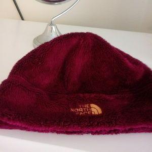 Girls NorthFace winter hat
